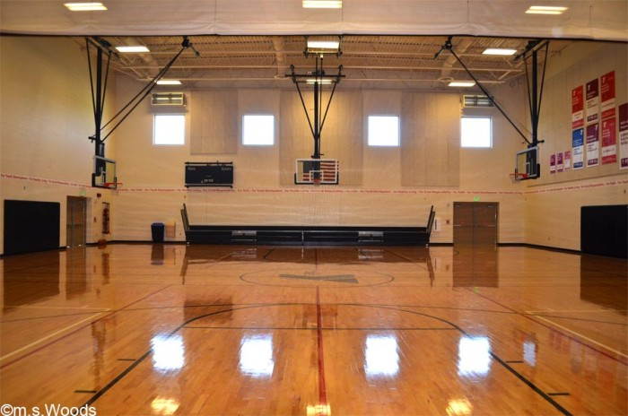 hendricks-county-ymca-basketball-court