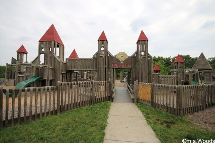 williams-park-shelter-blast-off-playground-brownsburg