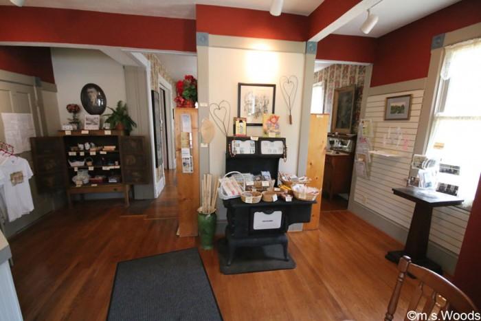 james-whitecomb-riley-museum-interior-shot