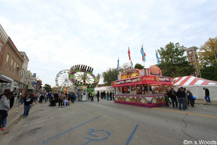 morgan-county-fall-foliage-festival-street-view