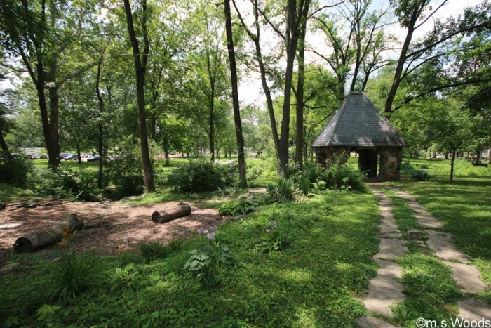 riley-park-shelter