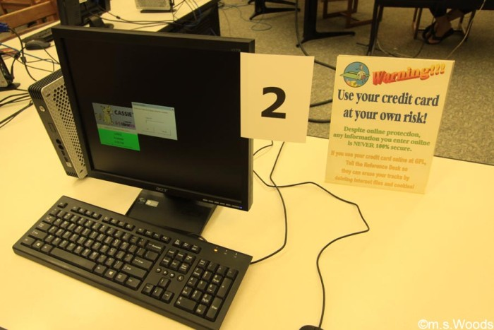 greenwood-library-computer-station
