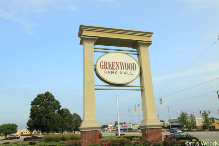 greenwood-park-mall-sign