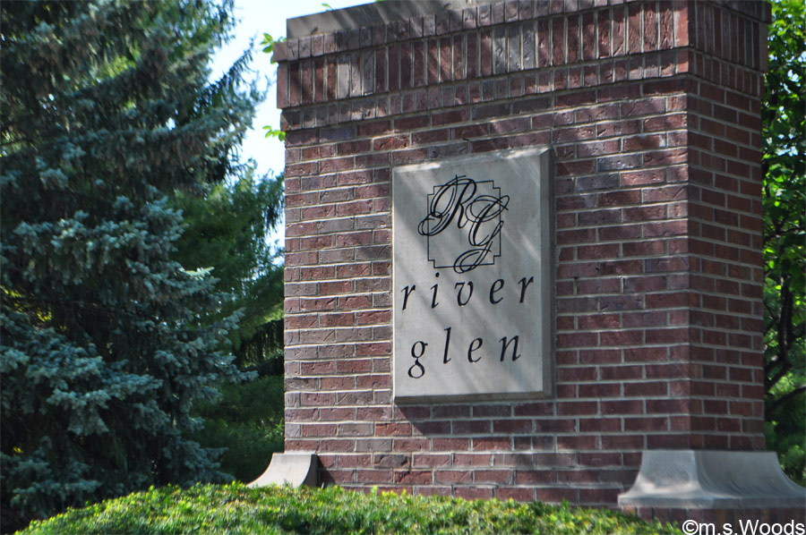 Entrance to River Glen Community