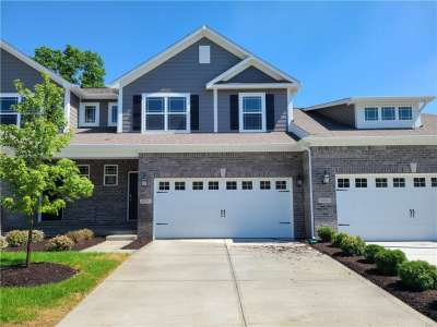 8274 W Glacier Ridge Drive, Fishers, IN 46038