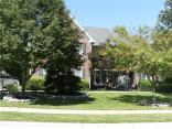 1354 N Woodpond Round About, Carmel, IN 46033