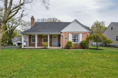880 W Oak Street, Zionsville, IN 46077