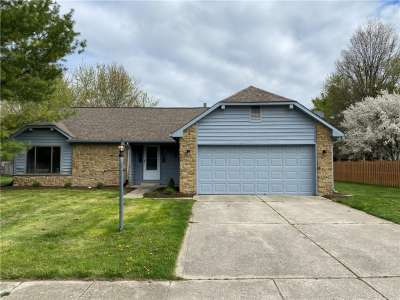 108 W Hickorywood Court, Brownsburg, IN 46112