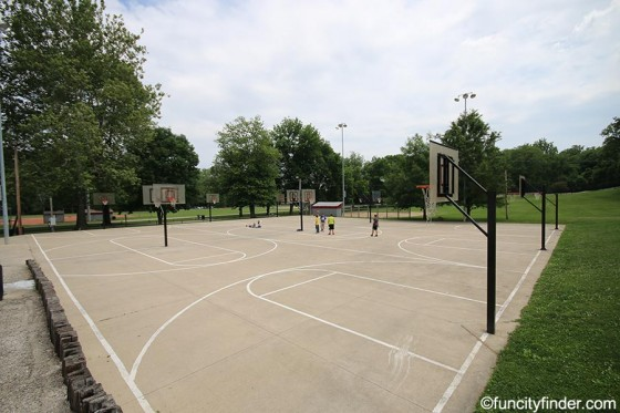 basketball-court-at-ellis-park-danville