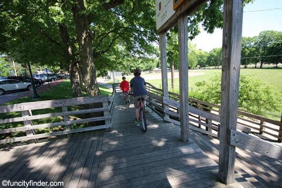 bicyclists-at-lions-park-zionsville