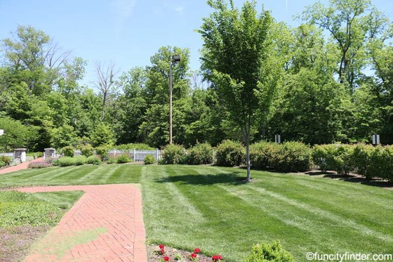 lawn-outdside-ambassador-house-at-fishers-heritage-park-at-white-river