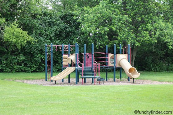 playground-in-stephens-park-brownsburg