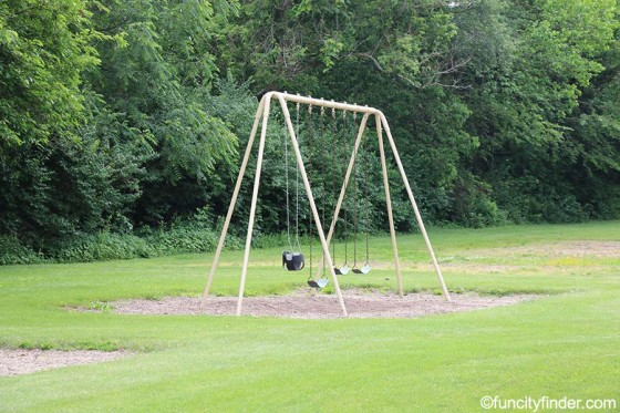 swingset-in-stephens-park-brownsburg